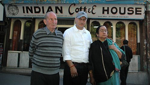 anupam kher with parents