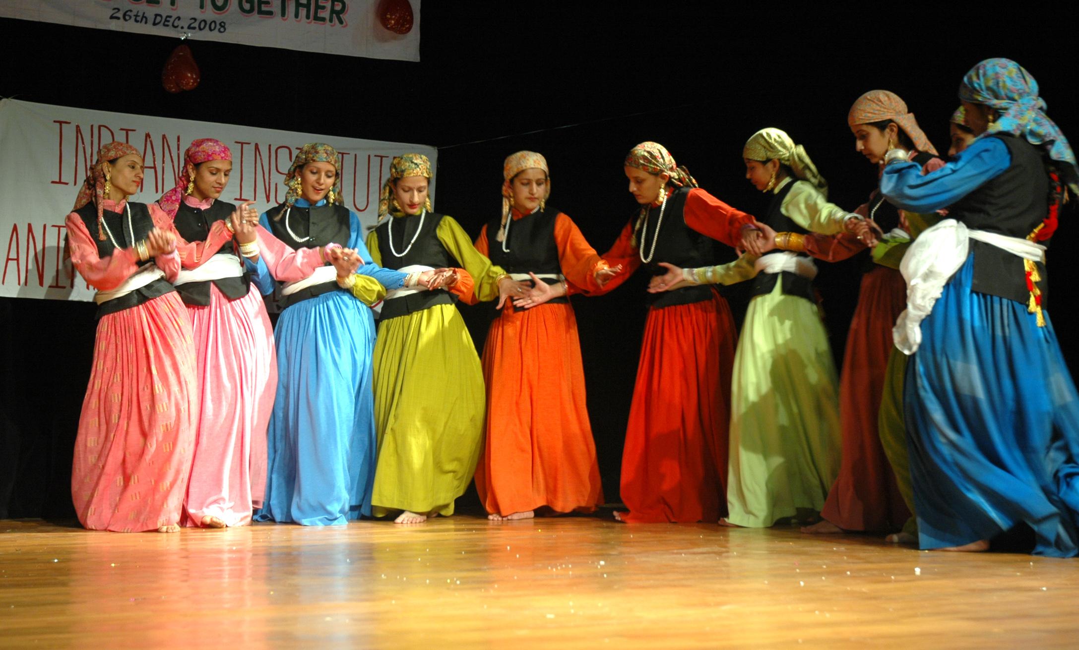 essay on folk dances of india