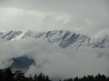 More snowfall in Himachal, Manali deep under snow