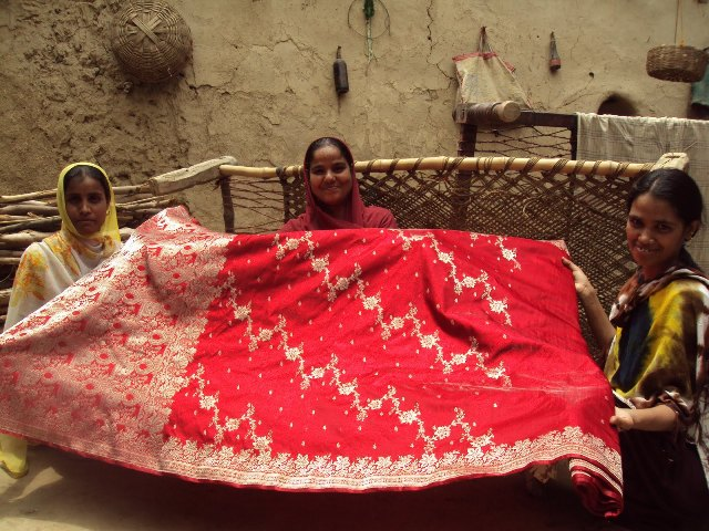 Varanasi weavers struggle to make a living