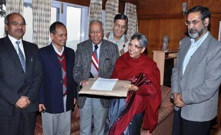 Retired judge DP Sood hand Benami Commission report