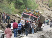Plight of travellers on Jubbal – Kothkai road in Himachal