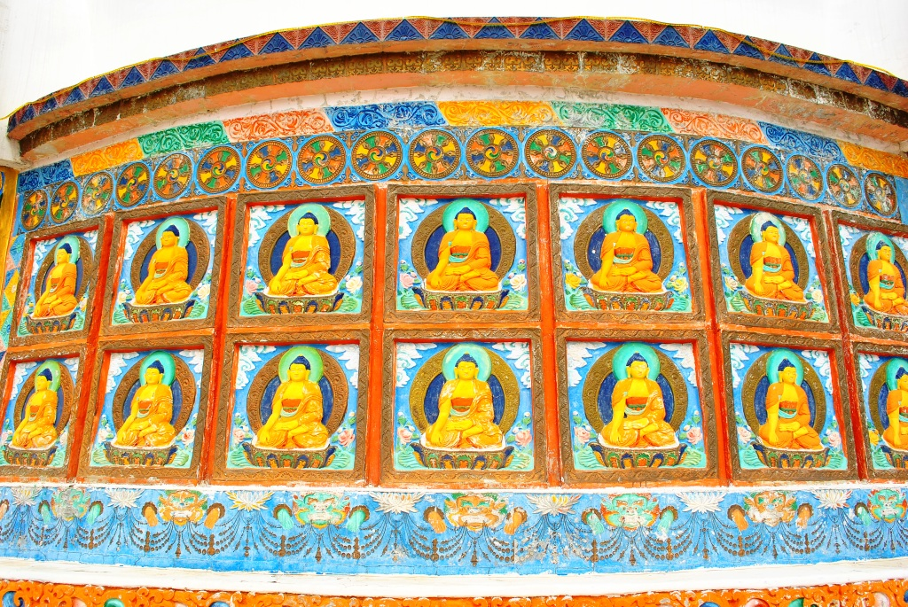 2000 Year Old TOmbs in TIbet