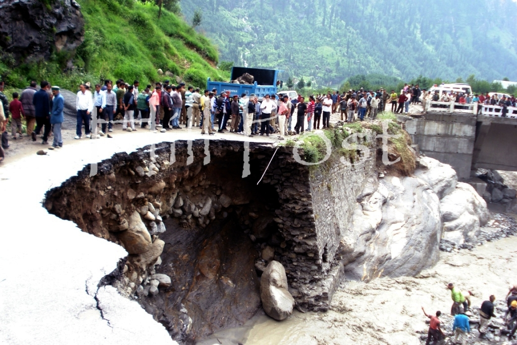 Manali Cloud Burst Road Collapse