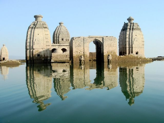 Abandoned Temples in Pong Dam waters
