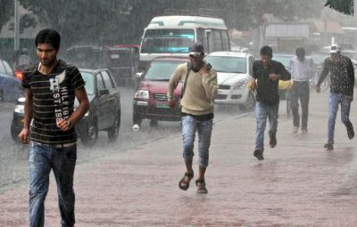 After a day of rain, weather office predicts relief for Kashmir