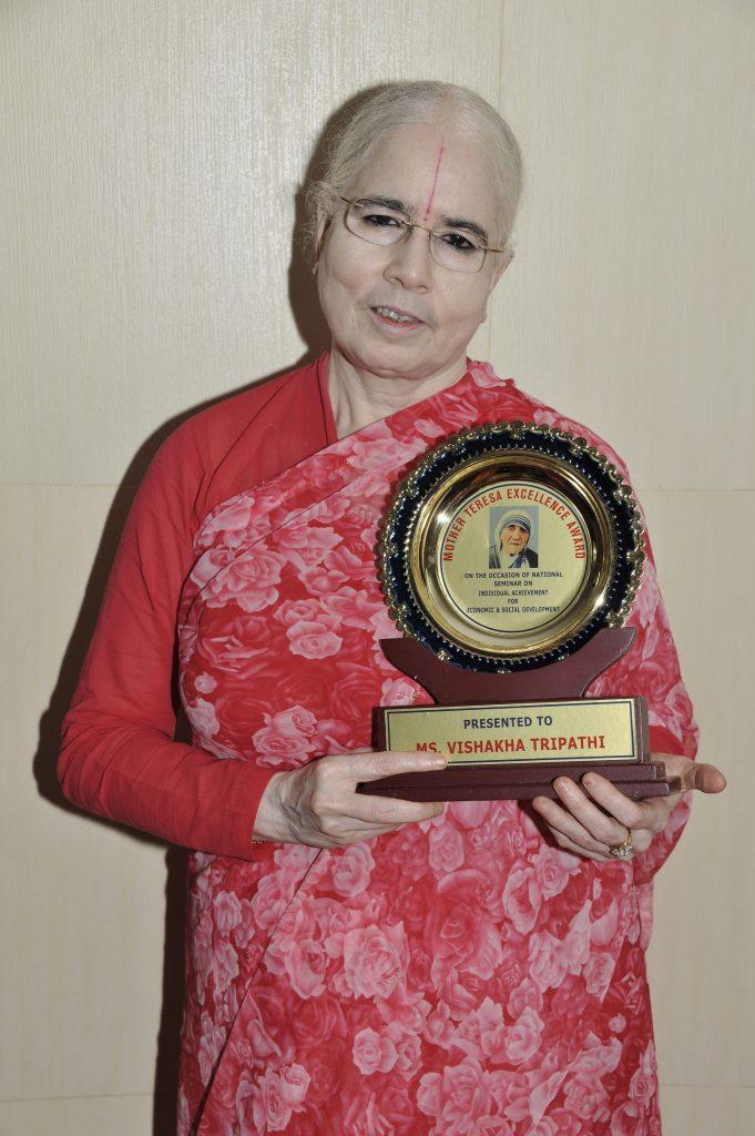 Badi Didi With Mother Teresa Award