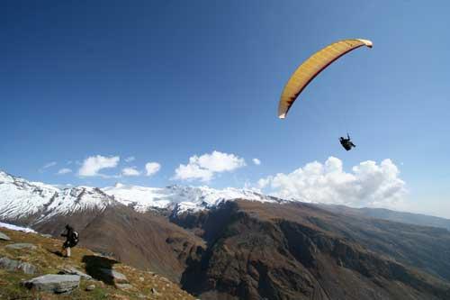 Himalayan-Paragliding