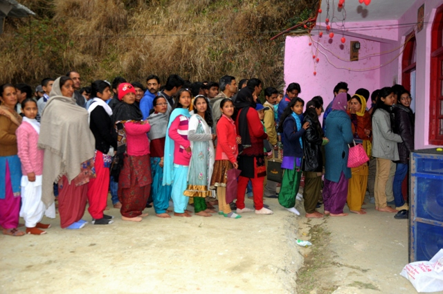 Families Line for Shiv Darshan