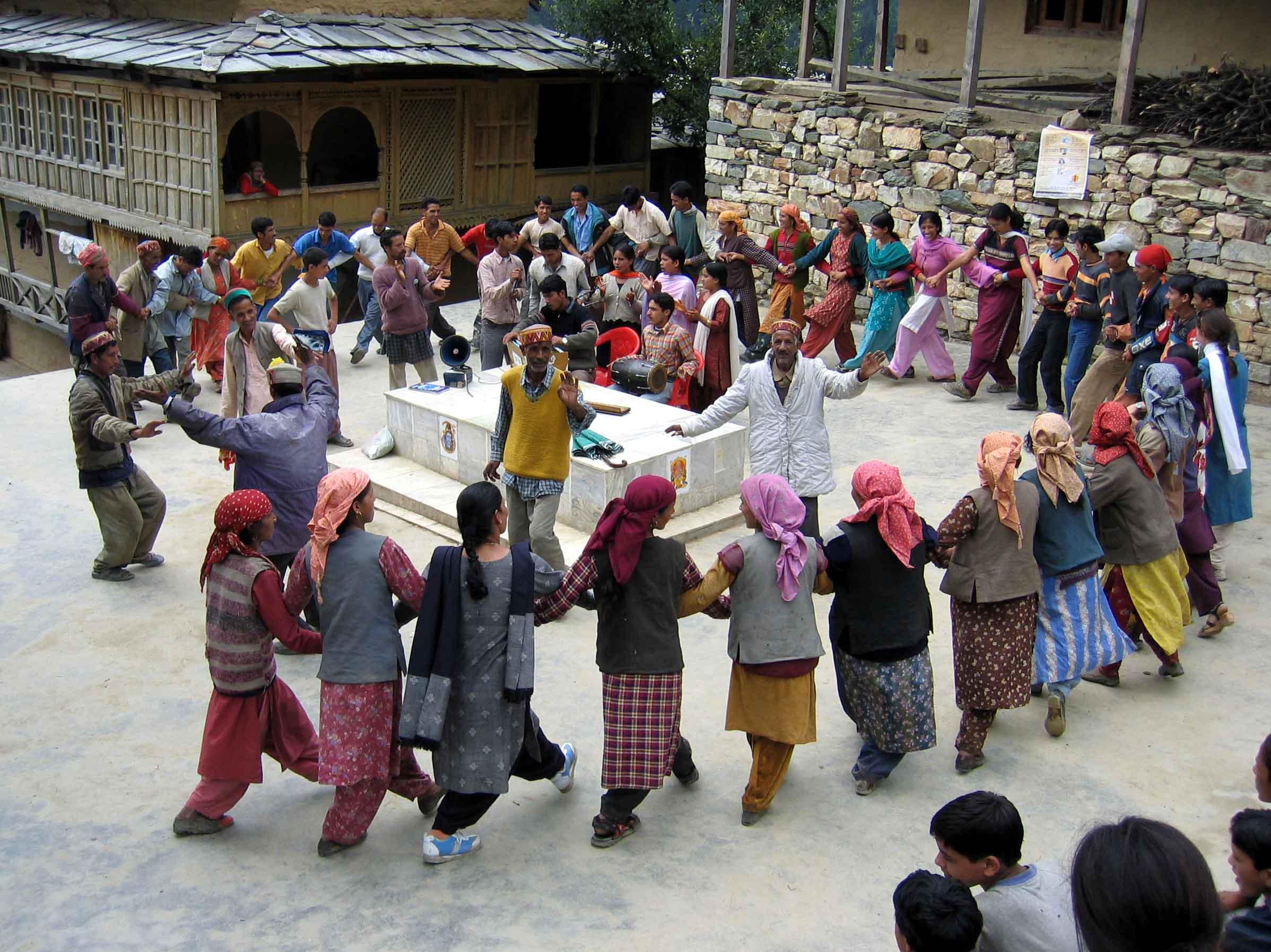 HMela-Sawjr2006-KalJat-Villg_Nati_dance.jpg
