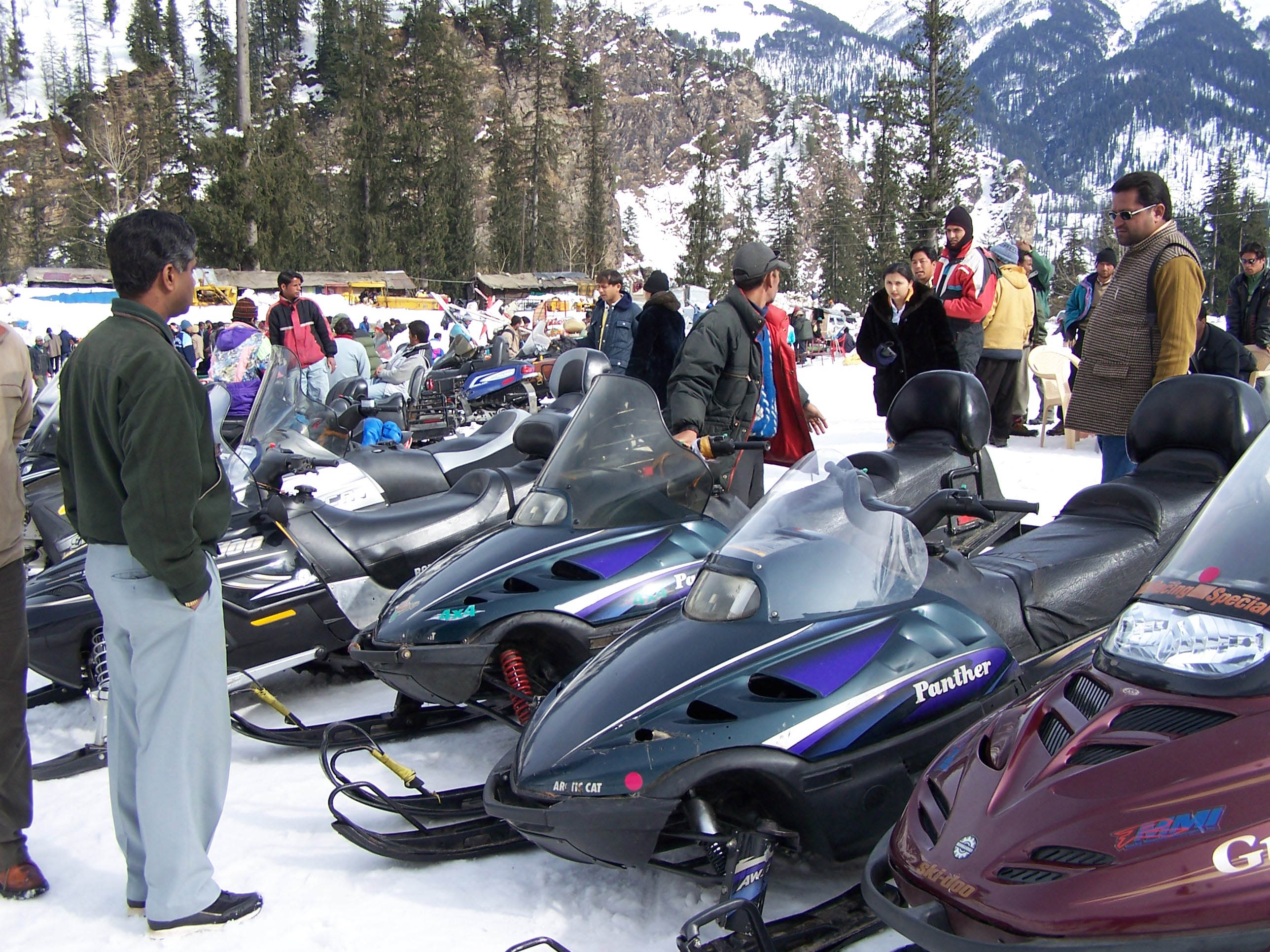snow-scooter-solang-nala-manali-2.jpg