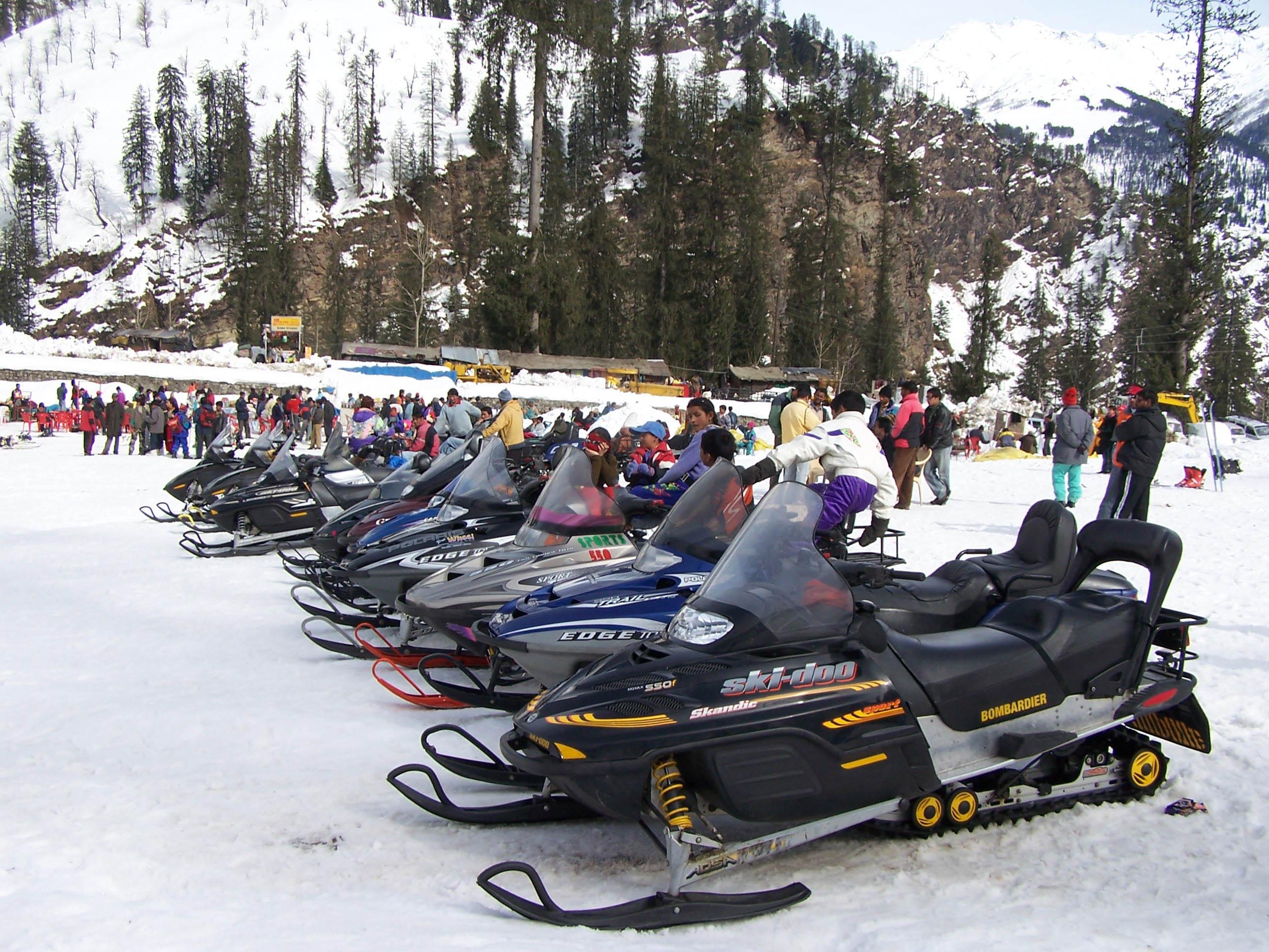 snow-scooter-solang-nala-manali.jpg