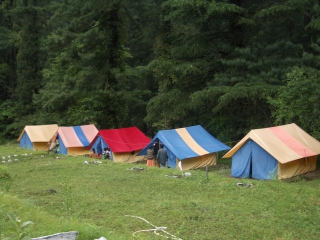 camp-tirthan.JPG