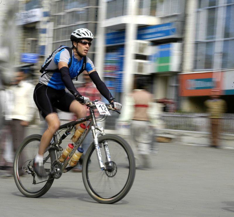 5-oct-mountain-biking-01.jpg