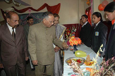 Himachal Governor V.S.Kokje at Shri Sanatan Dharam Senior Secondary School