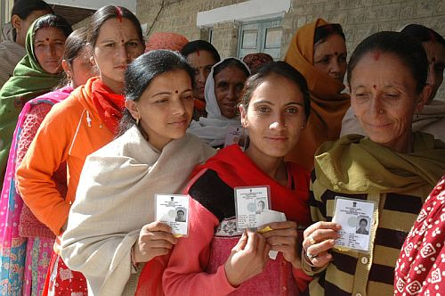 voters shows identity card