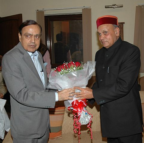Dhumal with Union Petroleum Minister
