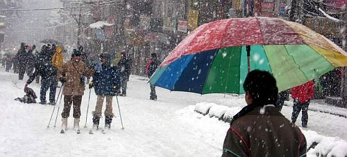 Manali Skiing on Mall