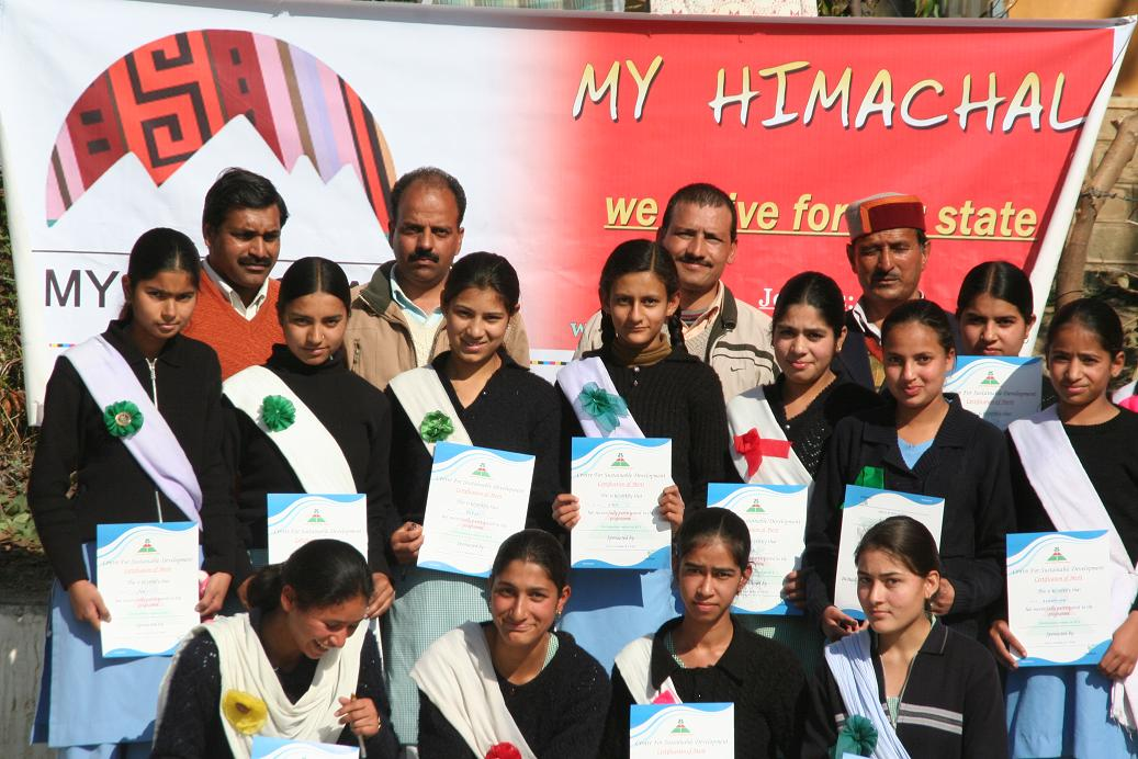 debate-on-rti-at-girls-school-jogindernagar-by-censudmyhimachal-02