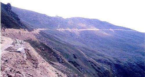 Ladhot-Kawar road