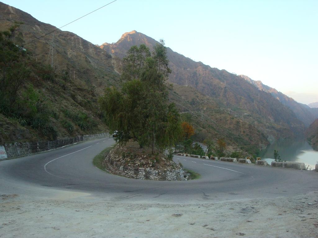 Curve Near Pandoh
