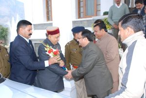 Parlliamentary affairs minister JP Nadda receiving the chief minister at Tapovan