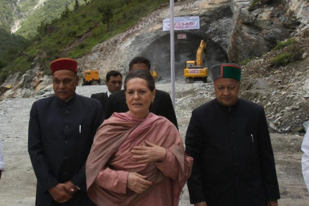 Sona Gandhi after launching work on Rohtang Tunnel