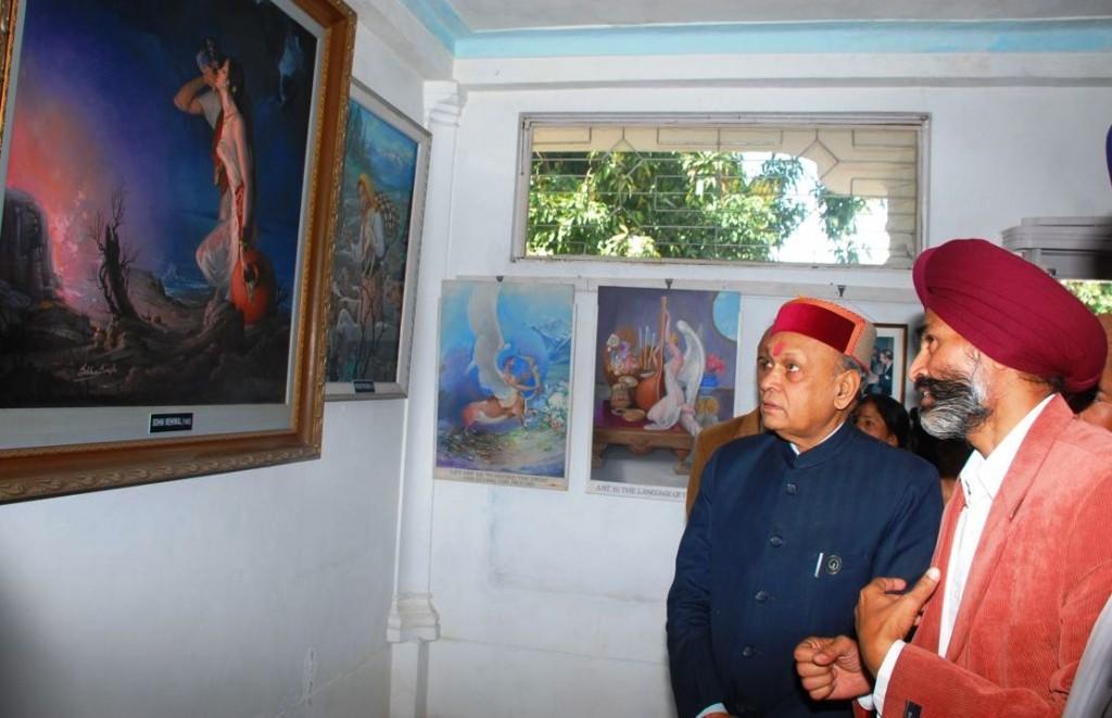 CM visiting Art Gallery