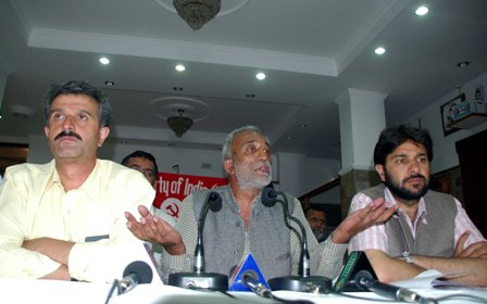 File Photo: CPI(M) Gen Sec Rakesh Singha with Sanjay Chauhan and Tikender Panwar before media on May 29, 2012