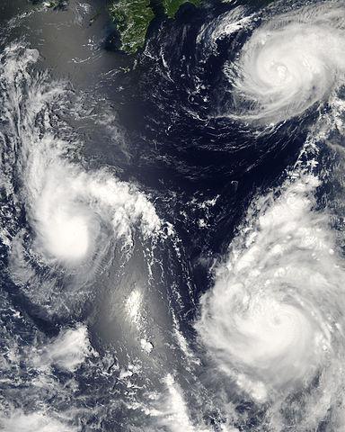 Kai Tak Typhoon Hits China