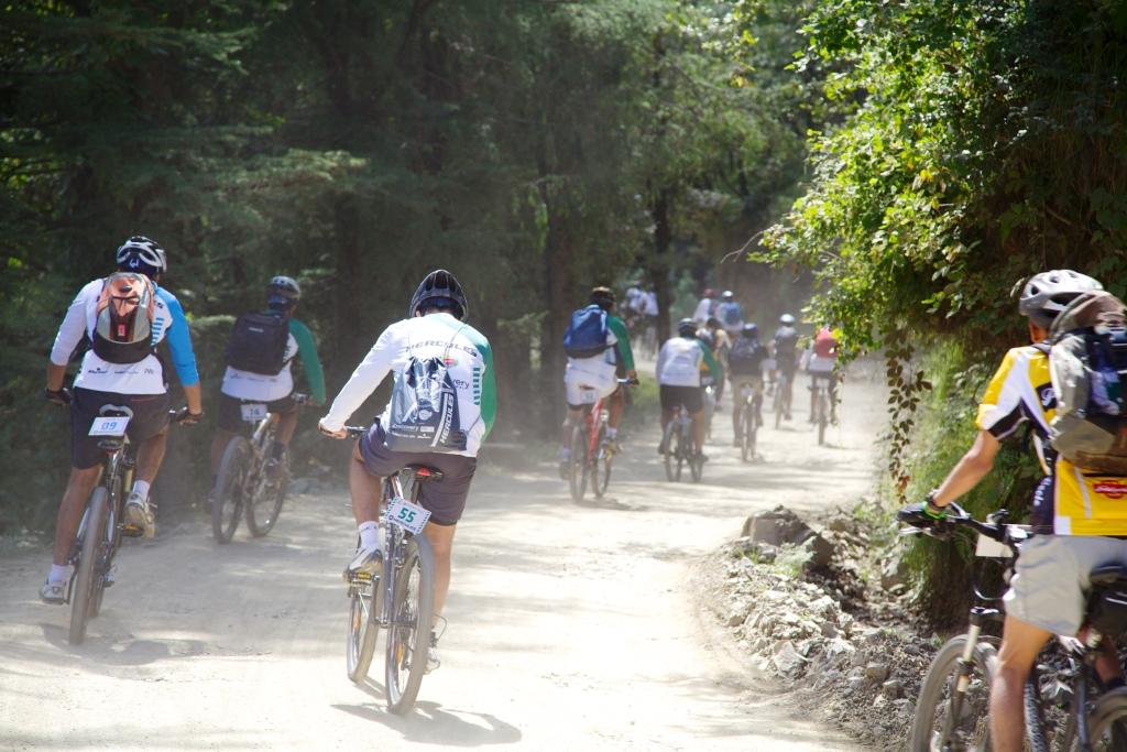 Riders on the storm_MTB_Himalaya_2012