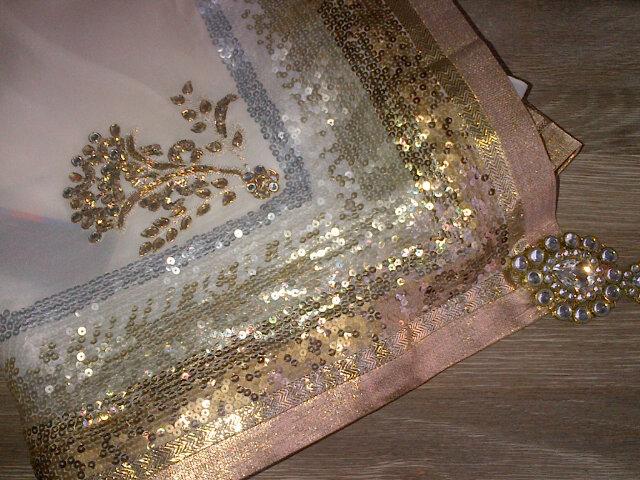 Lisa chooses Wendell's gown, Satya Paul sari for wedding