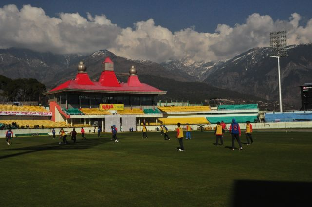 Indian cricket team practices at Dharamshala
