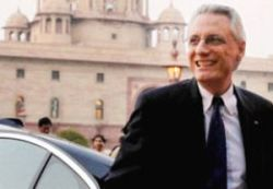 See that Italy envoy does not leave SC to authorities