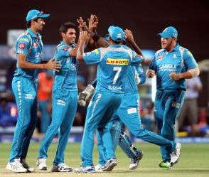 Finch fires Pune Warriors to first win in IPL 6
