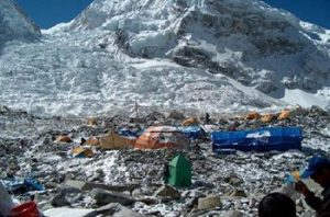 Everest becoming a garbage dump