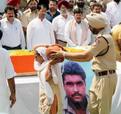 Politicians made capital out of Sarabjit's death