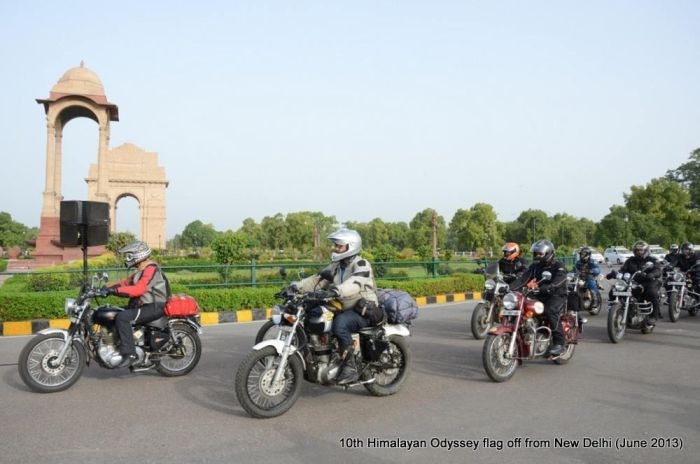 100 bikers take on the mighty Himalayas_1