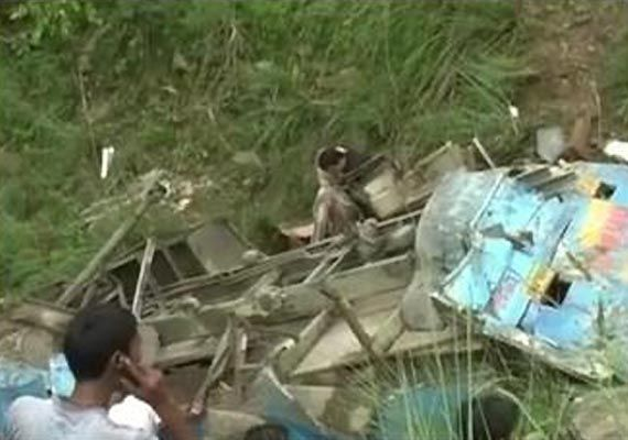 Eight die as bus rolls into gorge in Himachal