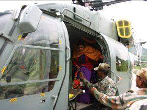 Himachal CM, dozen tourists airlifted