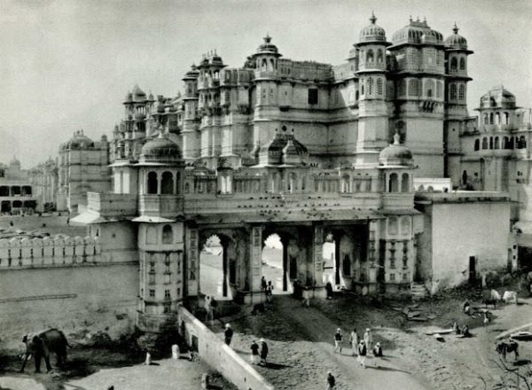 Palace of the Maharana of Udaipur - India 1928