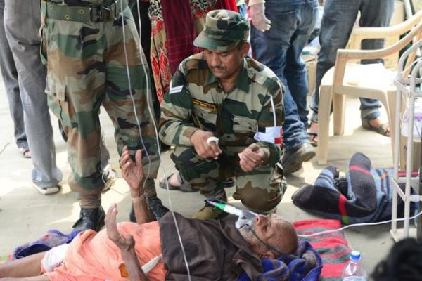 Rescuers in Kedarnath run out of supplies, hit by diseases_1
