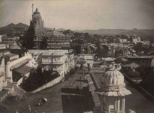 Udaipur City View and Palace on Lake Pichola - Date Unknown