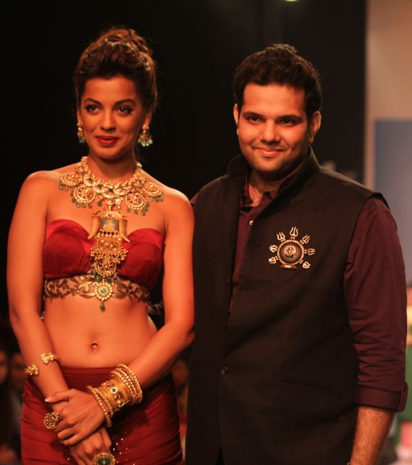 Actress Mughda Godse walked as showstopper for jewellery designer Sumit Sawhney's Carved Incarnations line