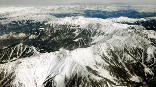 Is dust pollution speeding up melting of Himalayan glaciers?