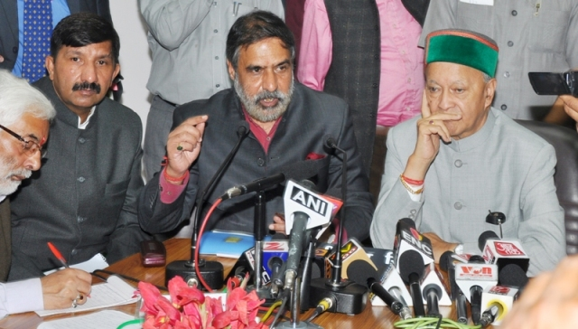 Commerce minister Anand Sharma with CM Virbhadra Singh and minister Mukhesh Agnihotri at media breifing