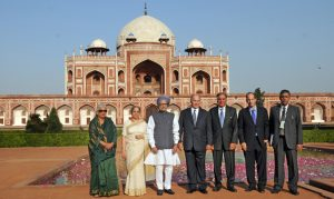 The Prime Minister, Dr. Manmohan Singh, the Prince Karim Aga Khan and the Union Minister for Culture, Smt. Chandresh Kumari Katoch visit the Humayun?s Tomb for the ceremony to mark the completion of restoration work, in New Delhi on