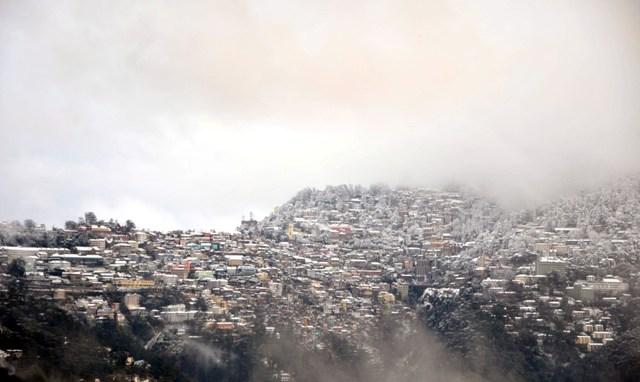 Shimla first 2013-14 snowfall: Photo by Amit