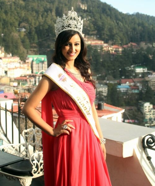 Himachal Girl Wins Indian Princess Pageant, 2014
