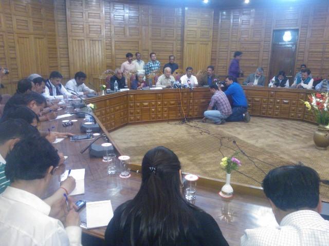 Home Minister Sushil Kumar Shinde addressing media at Shimla